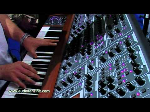 Schmidt Eightvoice Polyphonic Synthesizer video demo [Musikmesse 2011]