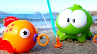 Om Nom Adventures: on the beach. Videos for kids.
