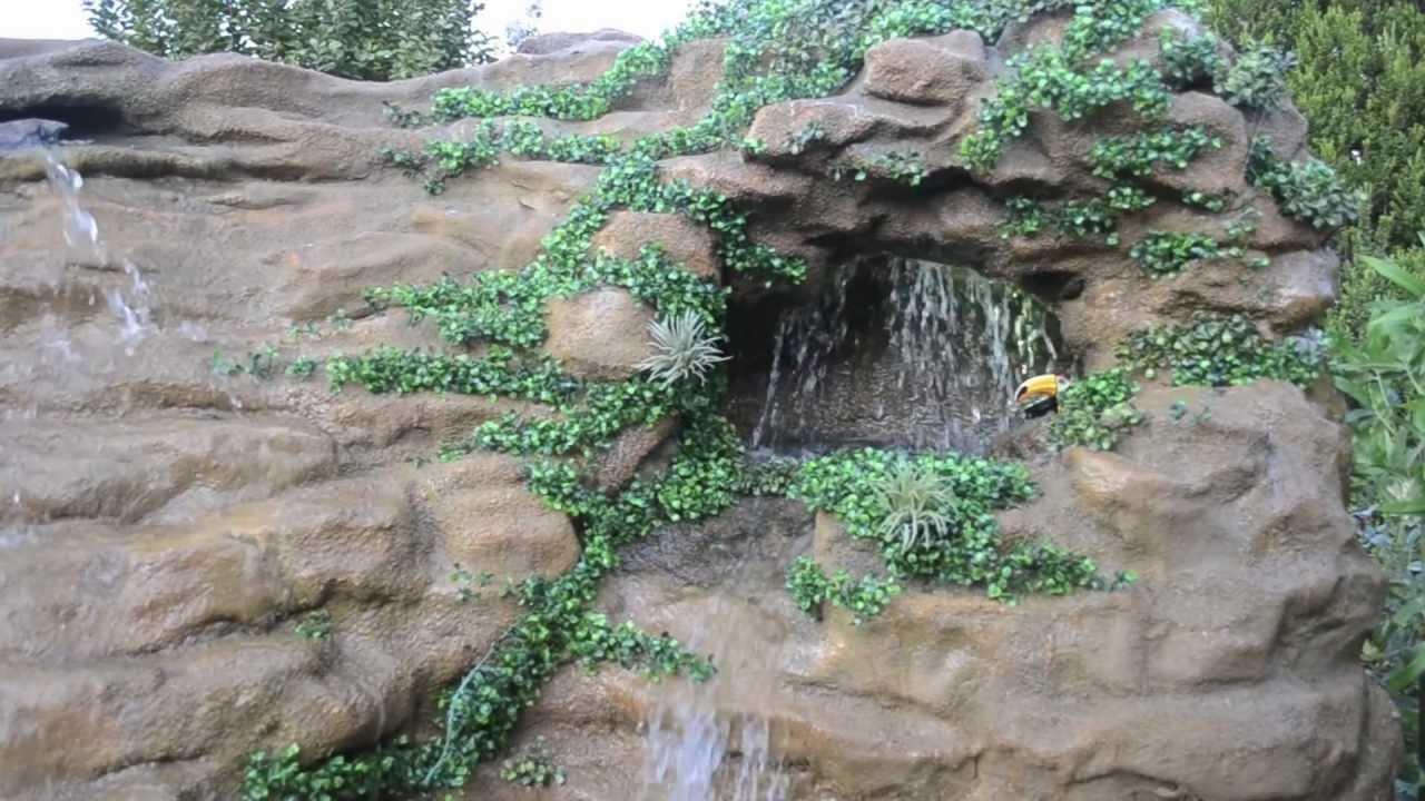 Cascada artificial fuentes de agua muros de agua juegos for Fuente cascada agua