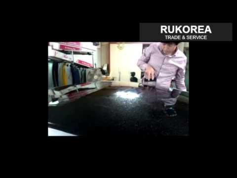 Обтяжка крыши автомобиля черной глянцевой пленкой из Южной Кореи