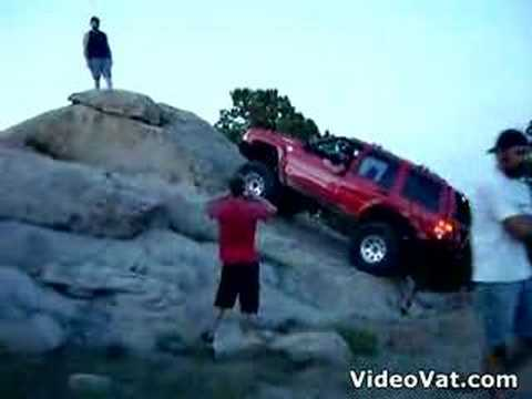 Clueless jeep driver fails - Clueless jeep driver fails