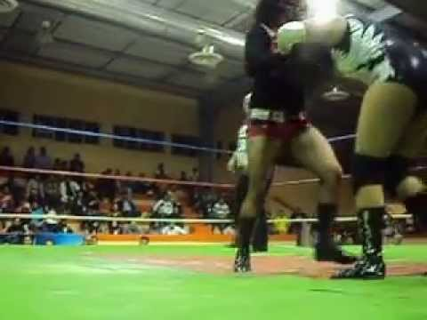Black Fury, Zuzu y Princesa Metalica vs Keira, Jc Maclean y Guerrera negra