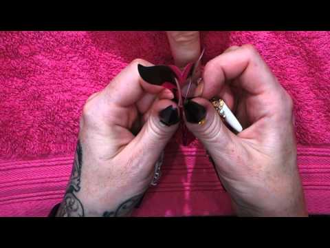 How to apply a nail form - Kirsty Meakin - Naio Nails
