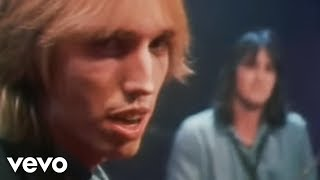 Watch Tom Petty Here Comes My Girl video