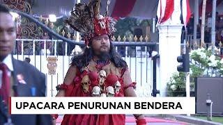 Download Lagu Baju Adat Terbaik di Upacara Penurunan Bendera - Merdeka dalam Bhinneka Gratis STAFABAND