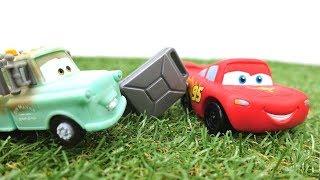 McQueen braucht Hilfe!Lightning McQueen Spielzeug🚗Spielzeugautos für Kinder/Disney Cars auf Deutsch