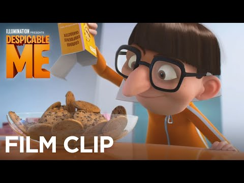 Despicable Me - Clip: The girls ask Vector about his pajamas