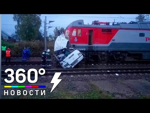 Появилось видео, снятое сразу после столкновения поезда с автобусом под Владимиром