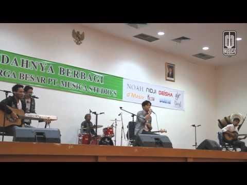download lagu NOAH -  Penampilan Perdana Separuh Aku & Walau Habis Terang gratis