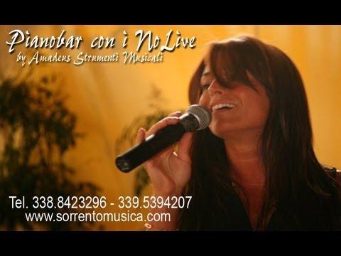 Pina Russo canta: Splendida Stupida. Pianobar a Sorrento per matrimoni