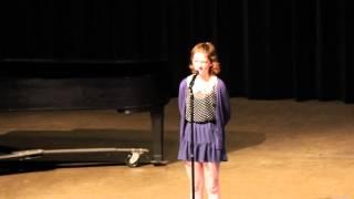Anna Hunt '17 recites
