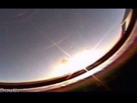 VERY STRANGE SKY  PLANT X NIBIRU SYSTEM ,SUN CROSS FROM GOD ?, GREEN FLOATING OBJECT AND MUCH MORE !