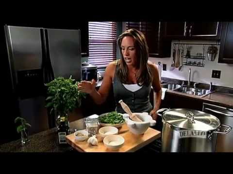 How to Make Fresh Pesto: Recipe & Ingredients