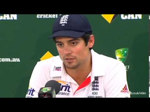 Ashes 2013-14: Alastair Cook keen to remain as England captain