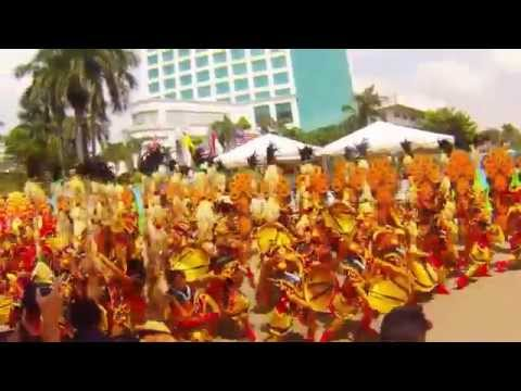HOLY CROSS COLLEGE of CALINAN   29th KADAYAWAN FESTIVAL Indak Indak 2014 HD  FULL