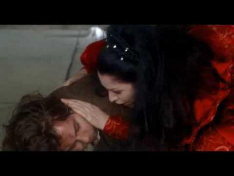 Puccini:TOSCA final scene