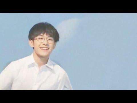 【TFBOYS易烊千玺】白衣校草單車少年易烊千玺戴眼鏡太好看啦!【Jackson Yi YangQianXi】