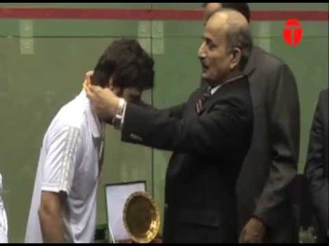 After 15 years, Amir clinches squash victory for Pakistan