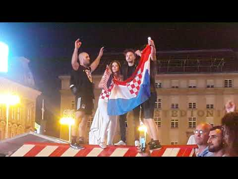 Croatia celebrate on the main square in Zagreb -3/3- after match Cro 2-1 Eng - Mundial 2018 Russia thumbnail