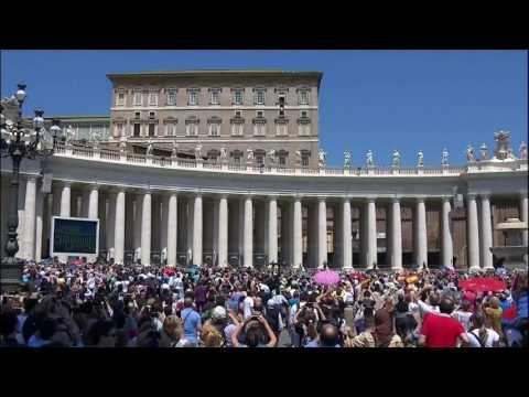 Papa përshëndet beratasit - Top Channel Albania - News - Lajme
