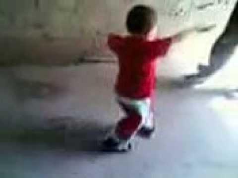 روعة احلى طفل يرقص شعبى thumbnail