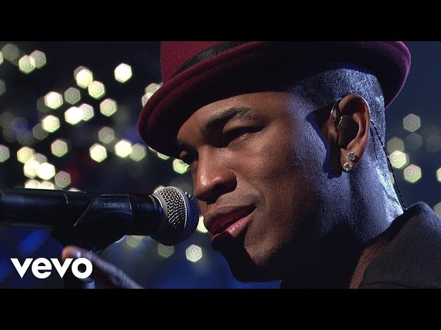 Ne-Yo - She Is (Live on SNL)