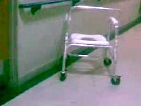 Creer o reventar silla se mueve sola youtube for Silla que se mueve
