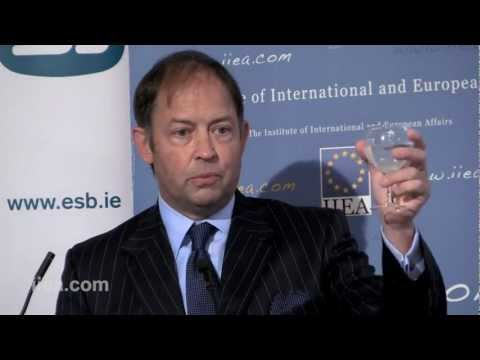 Justin Hall-Tipping on Freeing Electricity from the Grid: Innovation at the Nano Scale - 06 Sep 2012
