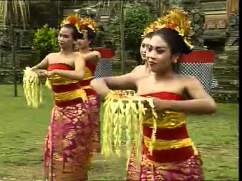 Tari Pendet from bali INDONESIA