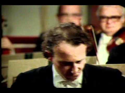 Brahms - Piano concerto No 2 (Pollini, Abbado WPO)