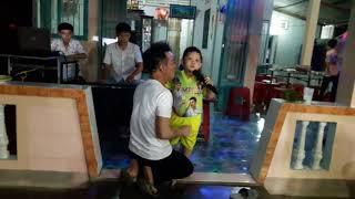 Bé Quốc Huy 6 tuổi - Lk Chuyện Giàn Thiên Lý, Chuyện Hoa Sin | BOLERO Ca Sĩ Nhí