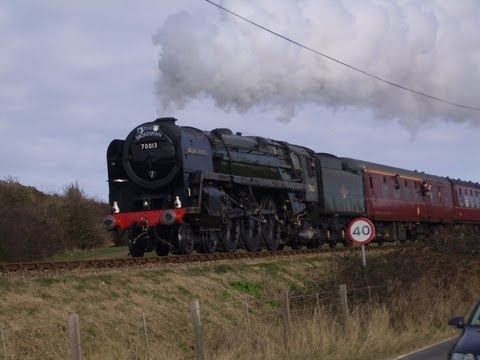 70013 oliver cromwell in north norfolk opening sheringham level crossing