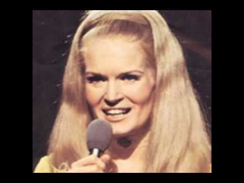 Lynn Anderson - Pillow That Whispers