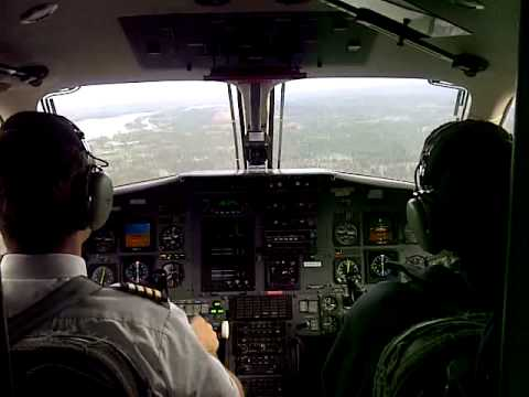 Wasaya Airways Flight 562 landing at Geraldton, Ontario Airport (CYGQ)