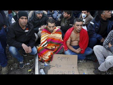 اعتراض پناهجویان در مرز مقدونیه با یونان