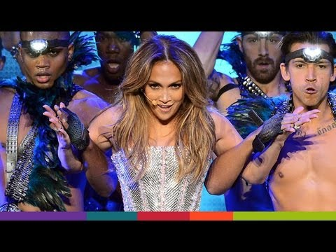Jennifer Lopez's Performance at Q'Viva The Chosen Live: Fashion!