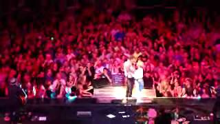 Bruce Springsteen Save the Last Dance For Me - Albany,NY 5-13-14