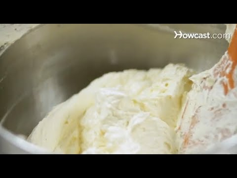 How to Make Buttercream Icing | Cake Decorations