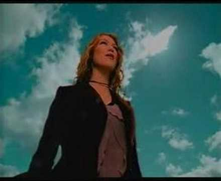 delta goodrem-Born to try