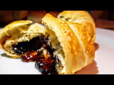 Круассаны с Коровкой и Шадо цыганка готовит.  Gipsy cuisine.