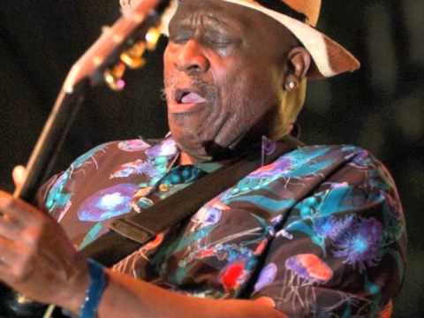 Taj Mahal-Queen Bee (feat. Etta Baker)