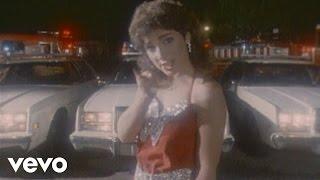 Watch Gloria Estefan Dr Beat video