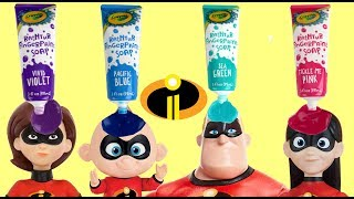 Learn Colors with The Incredibles 2 Dolls, Crayola Bath Paints & Baby Jack Jack