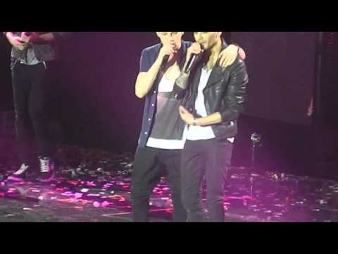 One Direction - Live While We're Young Manchester 20.4.13 video