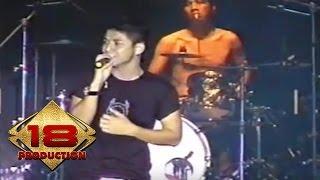 download lagu Ungu - Sejauh Mungkin  Live Konser Singkawang 5 gratis