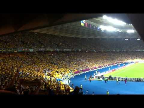 Исполнение гимна Украины EURO 2012 (Ukraine - Sweden)