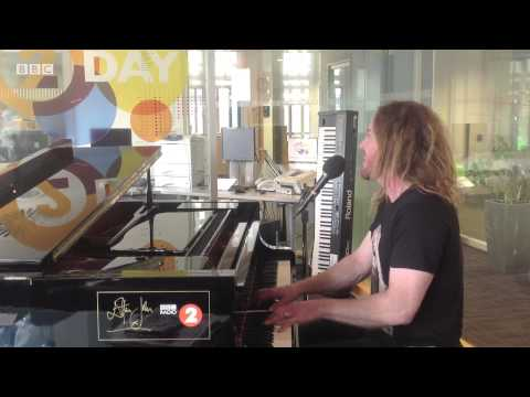 Tim Minchin performs When I Grow Up on Elton John's piano for Radio 2's 2Day