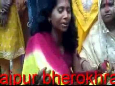 Badhiya Mangey Nandi (maithili Song)=om Ka Mudan.avi video
