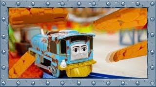 "Obstacle Racing with the Engines from the ""Journey Beyond Sodor"" - Thomas and Friends"