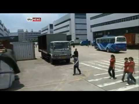 Workers RIOT at Apple Iphone 5 Factory - Foxconn